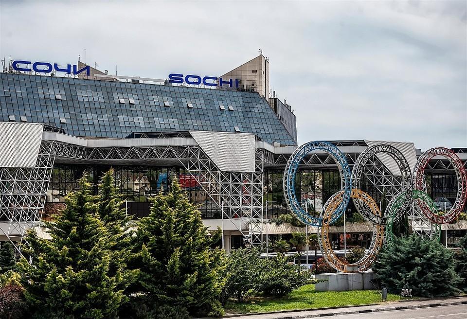 В Сочи в июле самолетом прилетят более 350 тысяч туристов. Фото пресс-службы Международного аэропорта Сочи.