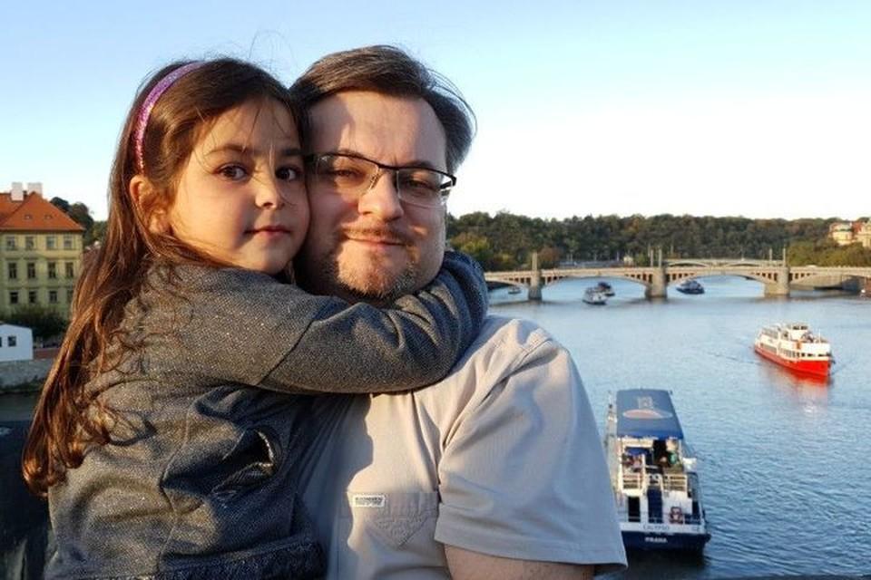 Алим Шахмаметьев вместе с дочерью Адрианой. Фото: семейный архив Алима ШАХМАМЕТЬЕВА