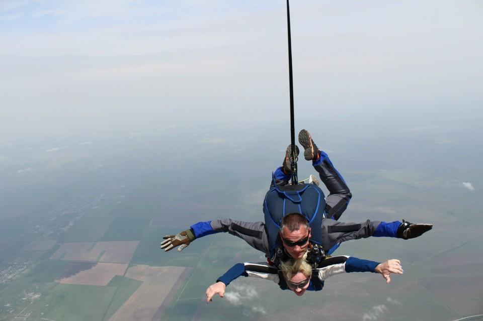Прыжок с парашютом запоминается навсегда