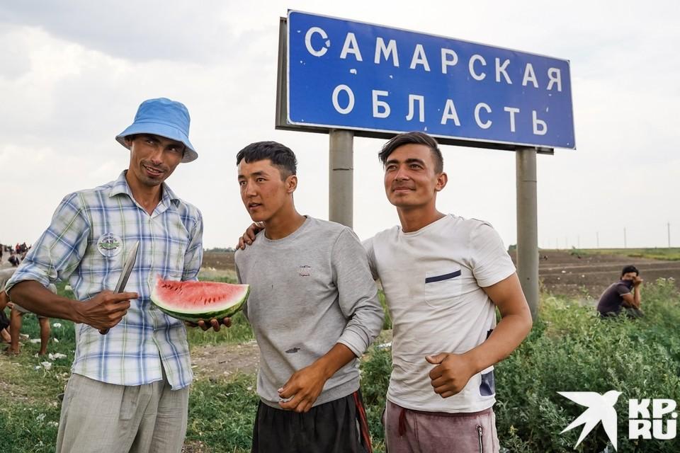 Граница Самарской области снова превратилась в палаточный лагерь мигрантов