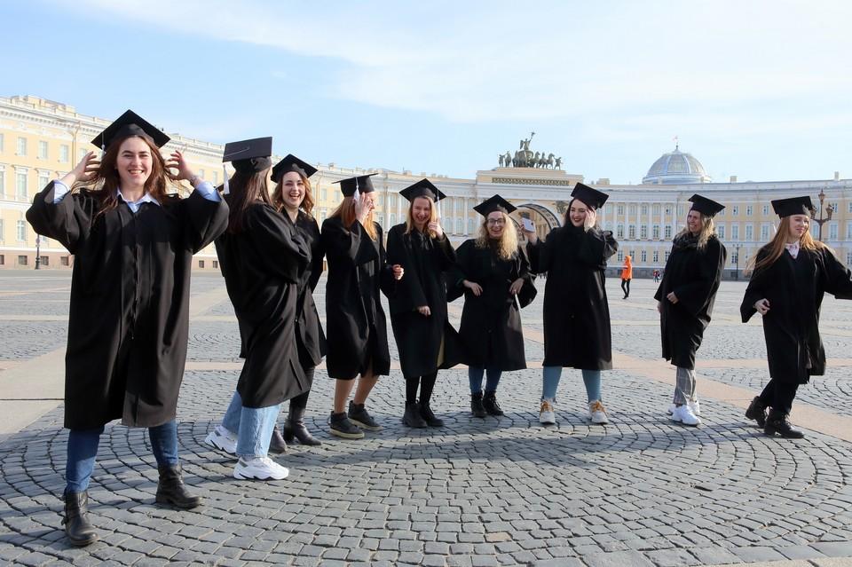 Переход на дистанционное обучение весной 2020 года не снизил уровень подготовки выпускников