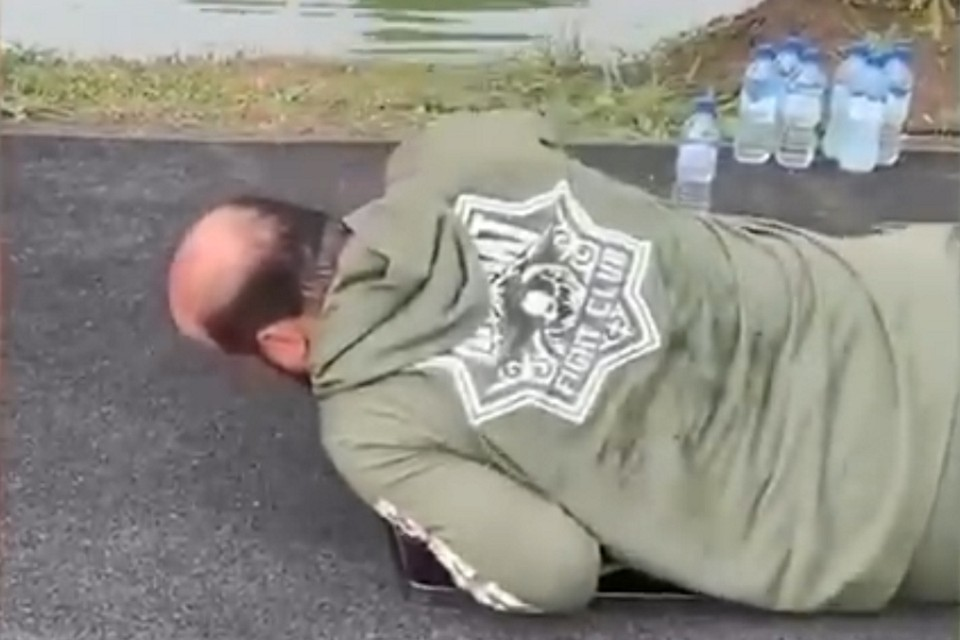 Фото: кадр видео, опубликованного Рамзаном Кадыровым
