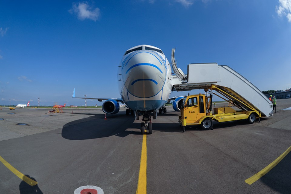 74 пассажира вывозного борта, прибывшего из Баку, были направлены в обсервацию в Свердловской области. Остальных - в другие регионы.