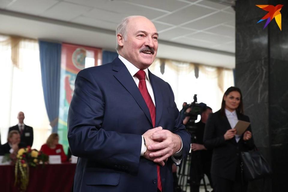 По версии аналитического центра Ecoom, 69,4% белорусов поддерживают Лукашенко.