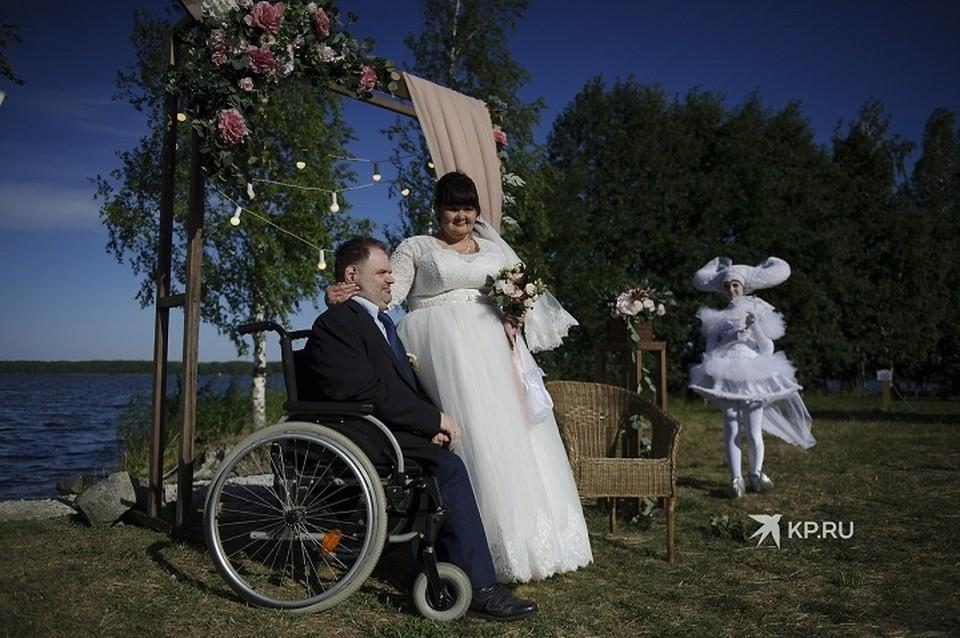 Свадьбу для Юли и Олега устроили совершенно бесплатно, помогли кто чем мог