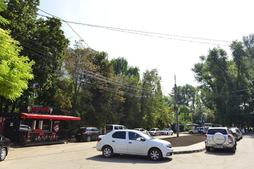 На сегодняшнем заседании муниципальных служб глава столицы в очередной раз обратился к преторам с требованием преградить въезд машинам в зеленые зоны