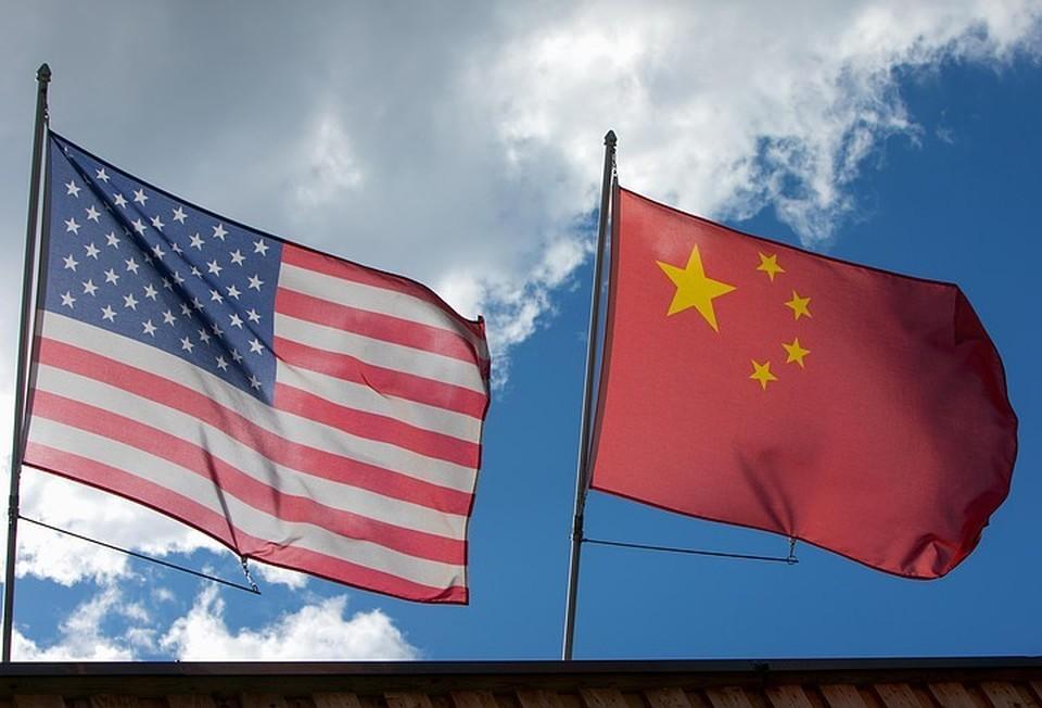 FT: Вашингтон стремится надеются расколоть союз Москвы и Пекина и привлечь Россию на свою сторону