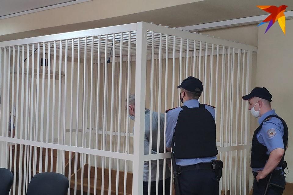 Обвиняемый Сергей Шукан не отрицает, что один раз ударил музыканта. Но говорит, что избили его до тяжелого состояния его же приятели.