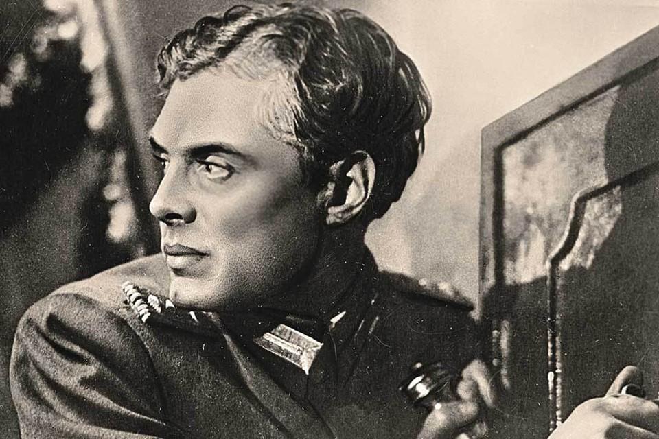 Кадочников казался скорее романтичным, и сложно представить себе его будущее по любой его роли.