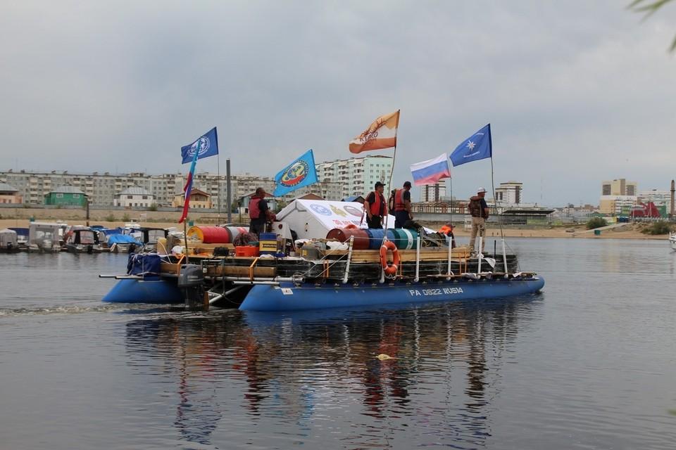 В Арктику на катамаране! Фото: Отделение РГО в Республике Саха (Якутия)