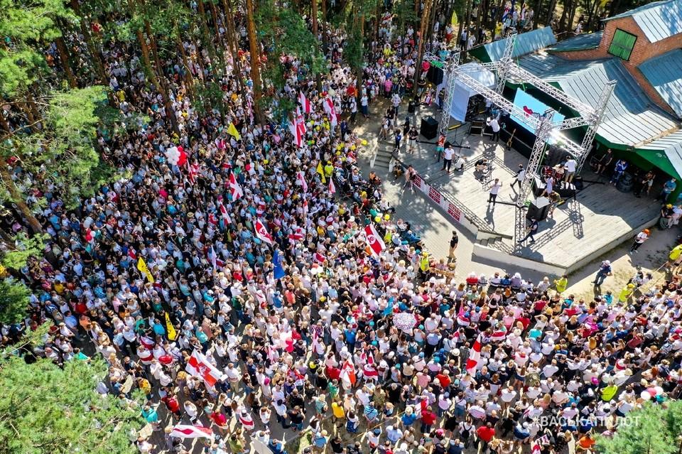 В митинге Светланы Тихановской в Бресте участвовало до 20 тысяч человек. Фото: #васькапилот