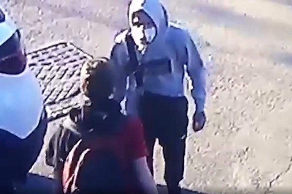 Полиция поймала грабителей, напавших на курьера в Петербурге