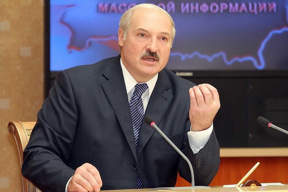 Александр Лукашенко выступает в Доме правительства. Фото: БелТА