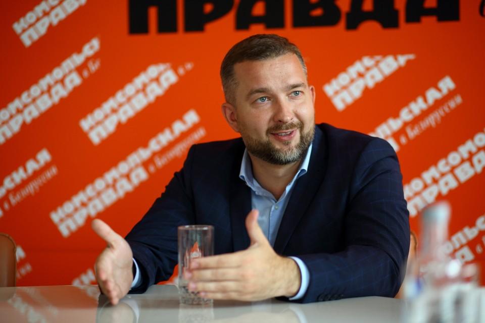Сергей Черечень самый молодой кандидат в президенты. Ему 35 лет.