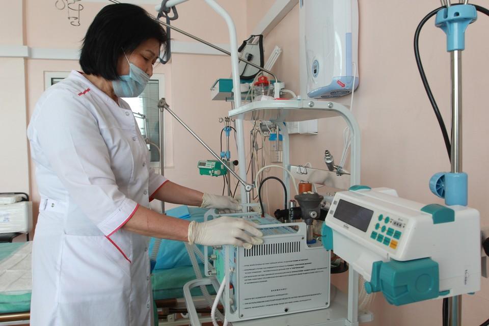 К аппаратам искусственной вентиляции легких подключены 25 инфицированных.