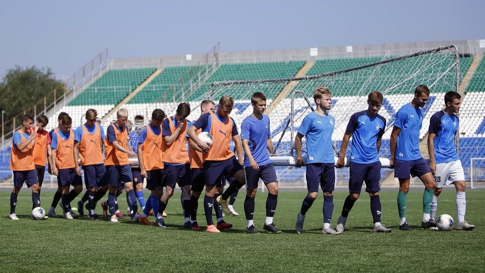 6 августа команда в полном составе провела тренировку на стадионе «Металлург».