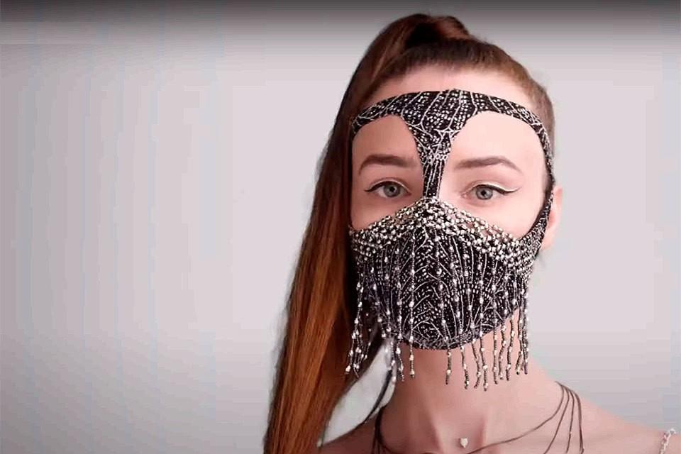 Россиянам предлагают носить маски, не отставая от моды