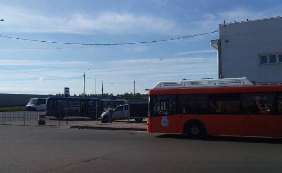 Пассажиры пригородных маршрутов не могут добраться на работу в Нижний из-за нехватки автобусов