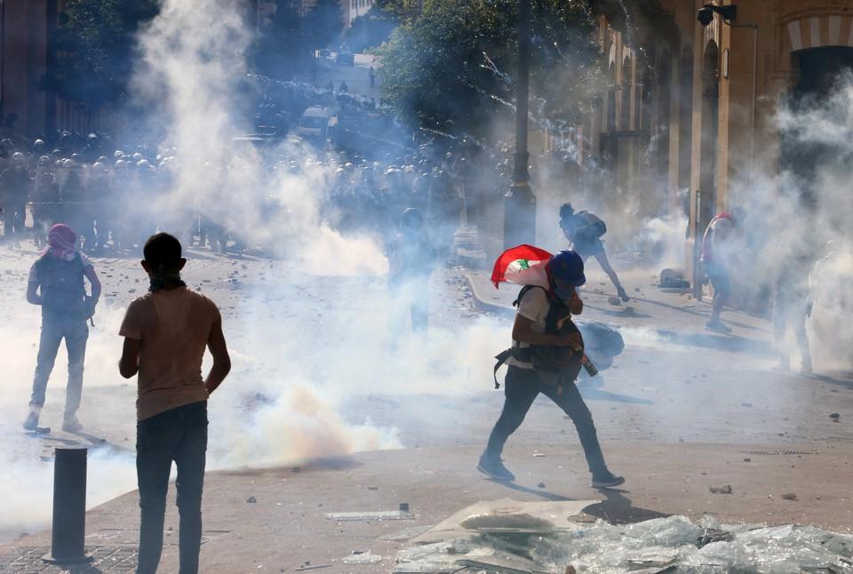 При столкновениях в Бейруте пострадали более 100 человек