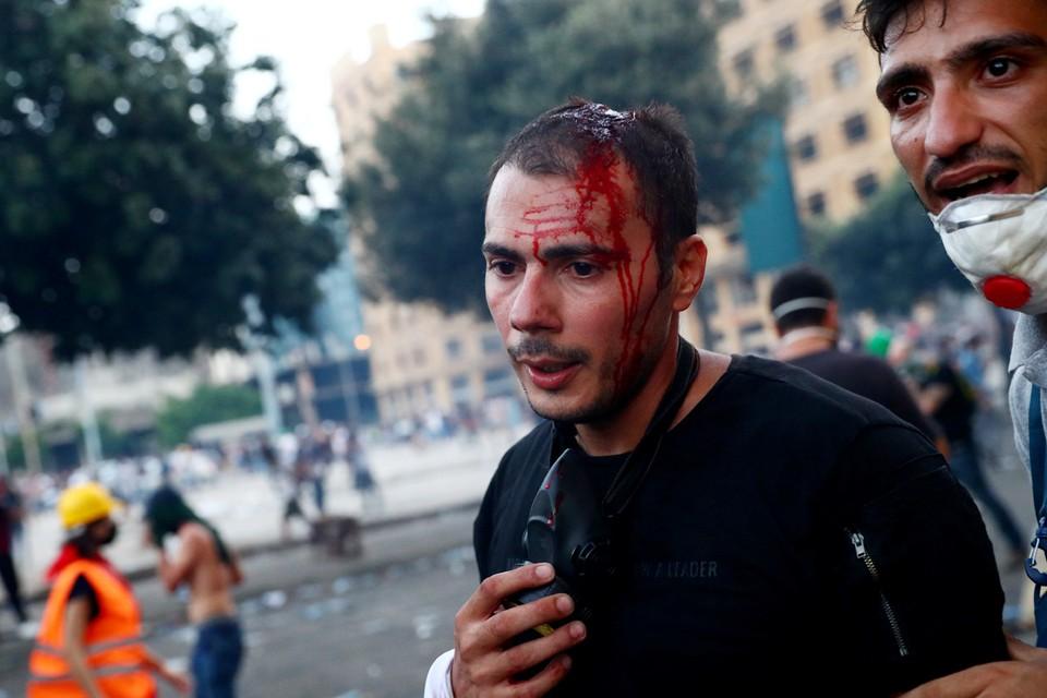 Правоохранители открыли огонь по участникам акций