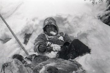 «Лежал на спине, слегка поджав ноги»: новые подробности трагедии перевала Дятлова раскрыли на Первом канале