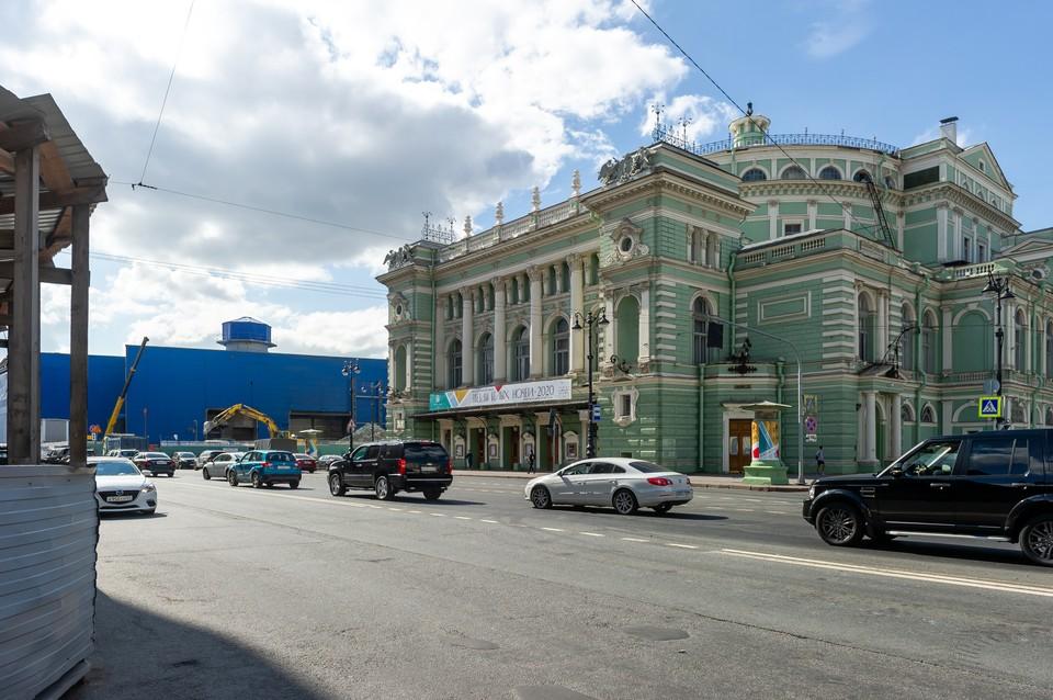 Руководство театра считает, что здание разрушается из-за строительства метро.