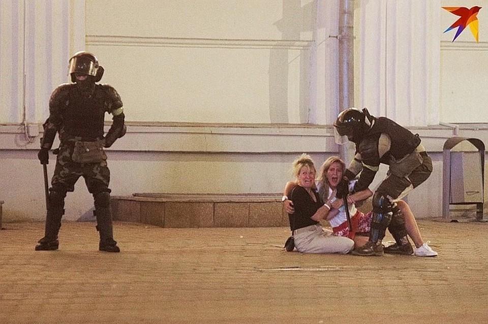 В первые дни протестов задержания были очень жестокие
