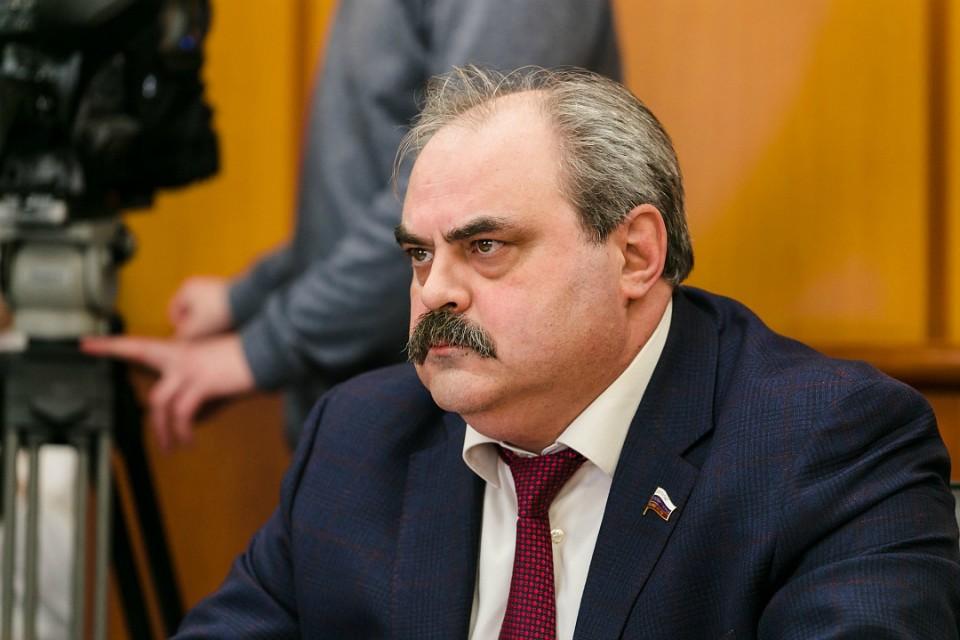 Алексей Веллер заработал в прошлом году приличную сумму. Фото: правительство Мурманской области