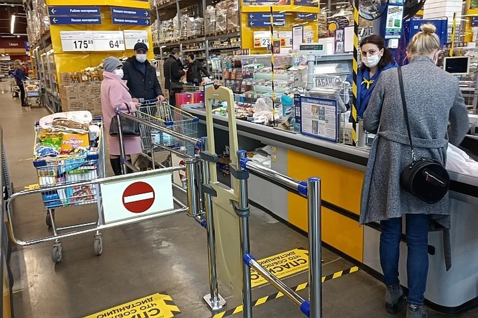 В тобольском продуктовом магазине была стрельба из-за маски
