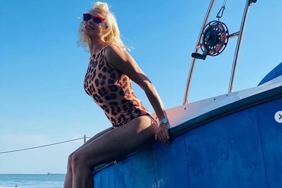Алена Свиридова приехала на отдых в Крым еще в июне. Фото со страницы певицы в социальных сетях