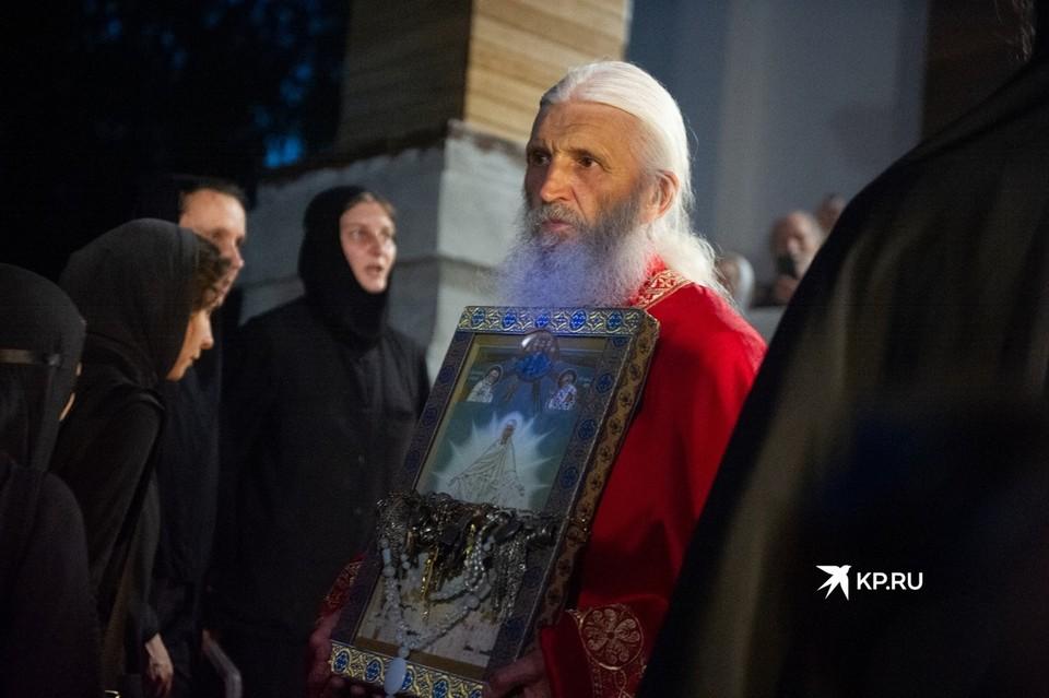 Опальный схимонах Сергий призвал своих сторонников выйти на свою защиту.