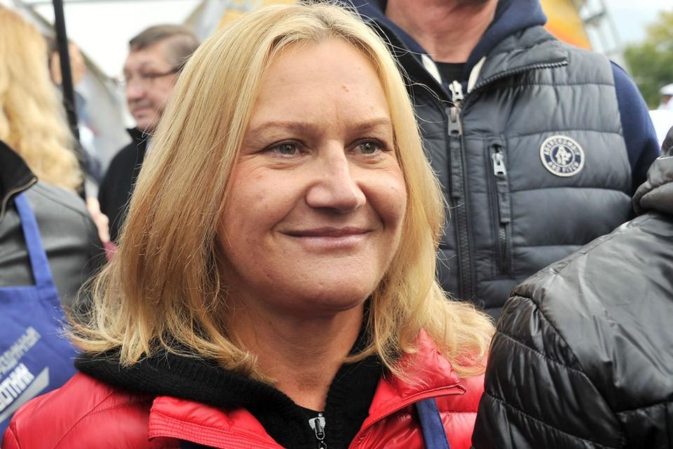 Елена Батурина.