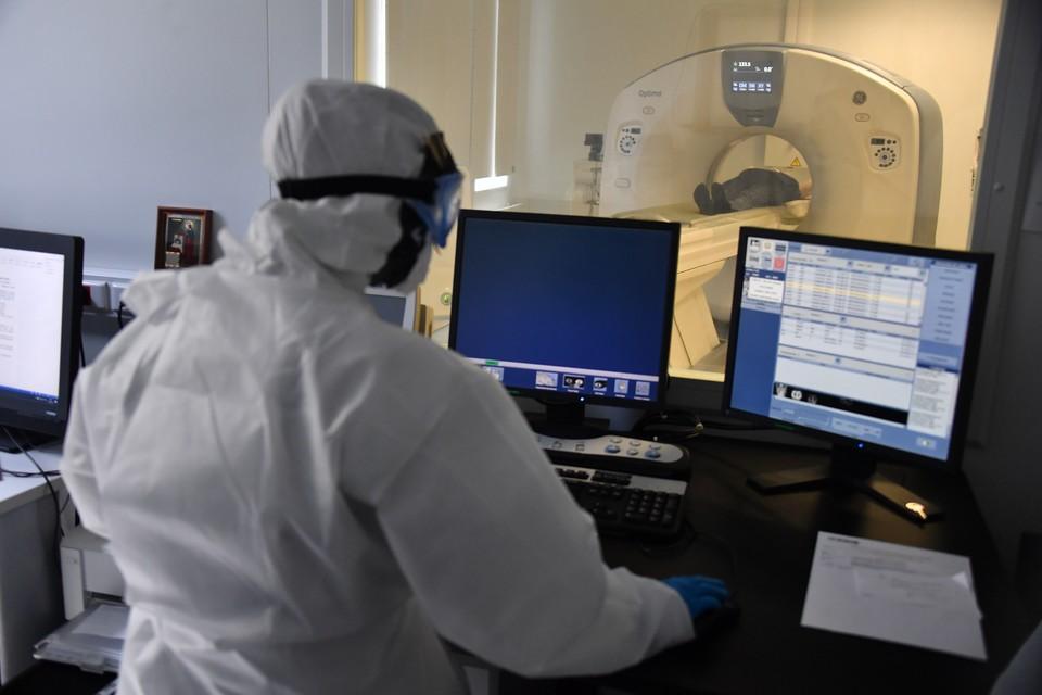 В волгоградские больницы и поликлиники продолжают завозить томографы.