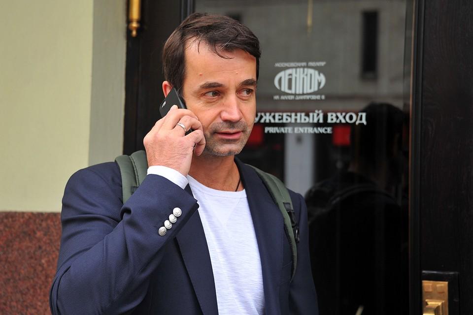 Накануне стало известно о госпитализации Дмитрия Певцова в инфекционную больницу в Коммунарке с диагнозом пневмония