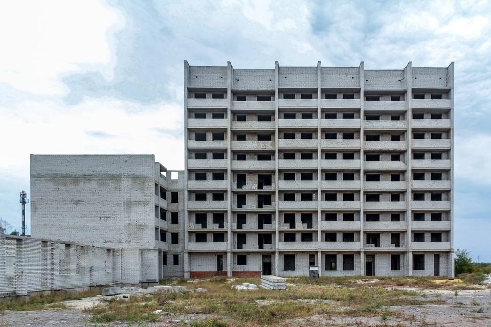 Многоэтажку начали возводить 11 лет назад