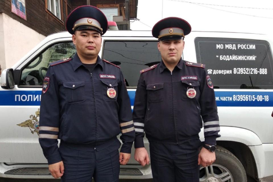 Выбили окно вытащили людей: дорожные инспекторы спасли пятерых вахтовиков из горящего дома в Иркутской области