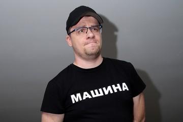 Резко похудел и осунулся: помощник рассказал о состоянии больного Гарика Харламова
