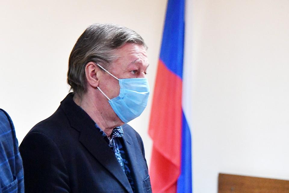 Михаила Ефремова заключили под стражу сразу после оглашения приговора