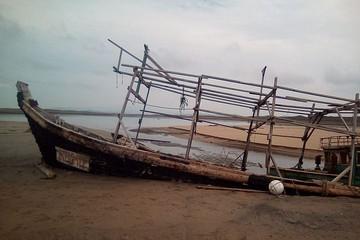 Стихия разрушила знаменитое кладбище пиратских кораблей на границе Приморья с КНДР
