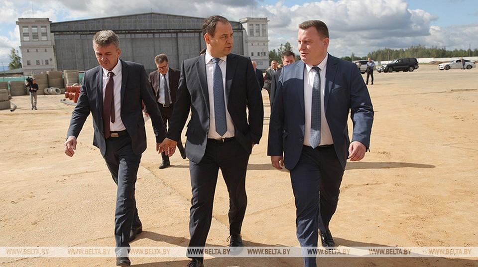 Головченко также рассказал, что в данный момент идут переговоры по вопросу внедрения и массового распространения российской вакцины. Фото: belta.by