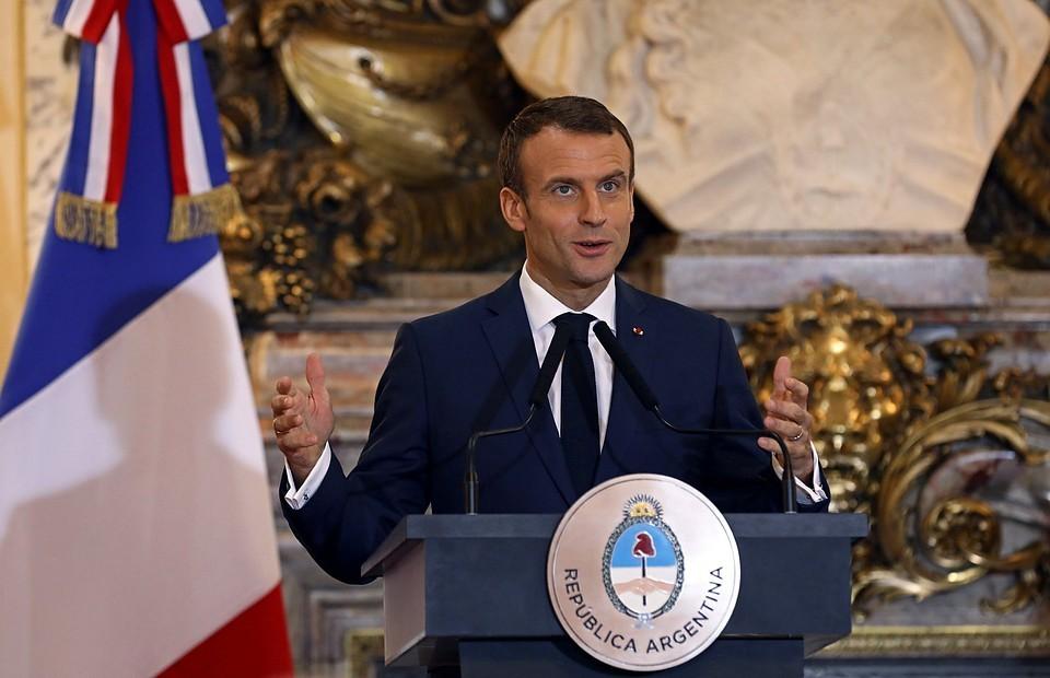 Макрон в разговоре с Путиным сообщил, что Франция разделяет выводы ЕС об отравлении Навального