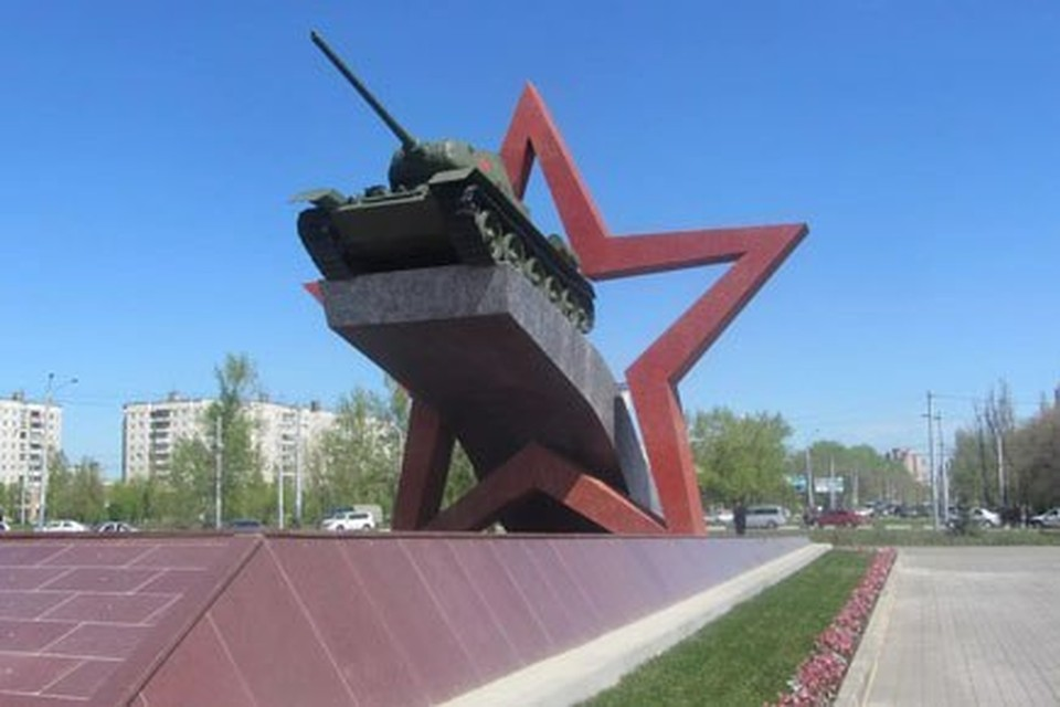 Липчан поздравили с Днем танкиста