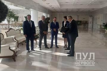 Лукашенко поменял на должностях высших чиновников, ректоров медуниверситетов и гендиректора БелАЗа