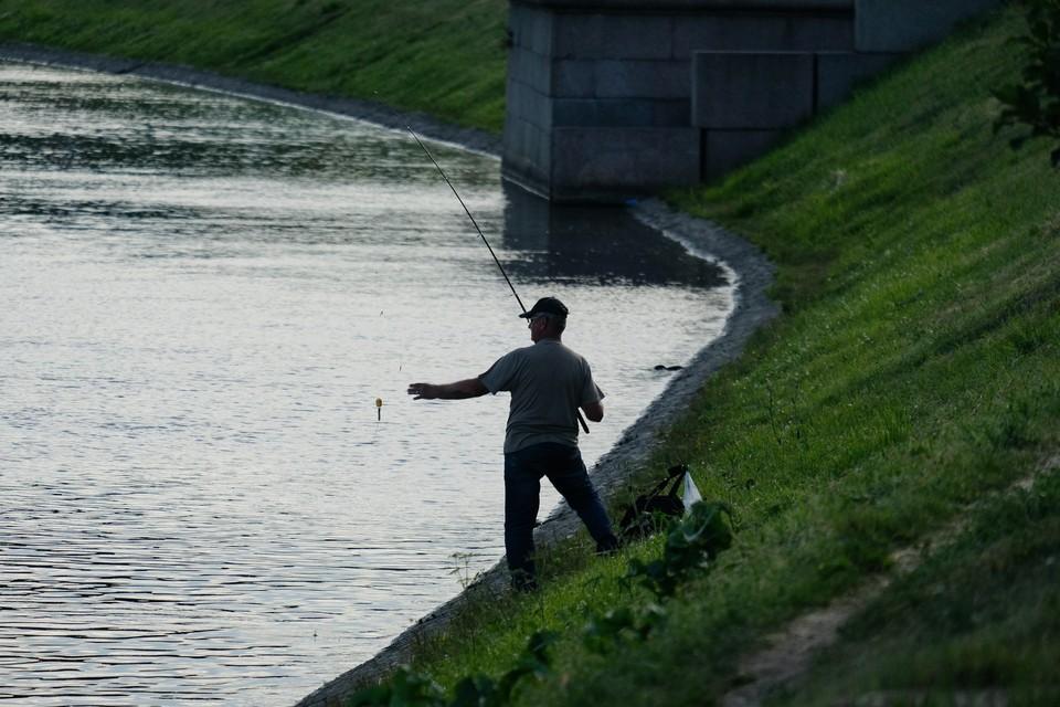 Рыбак выловил из реки мешок с отрезанной мужской ногой.