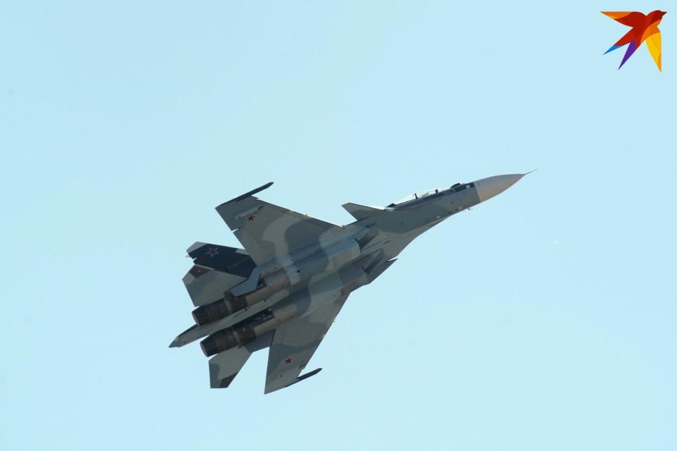 Причиной падения СУ-30 в Тверской области могла стать техническая неполадка.