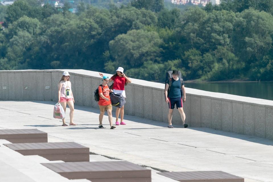 На пустой пока набережной в следующем году появятся рестораны, детские и спортивные площадки, зоны для активного отдыха