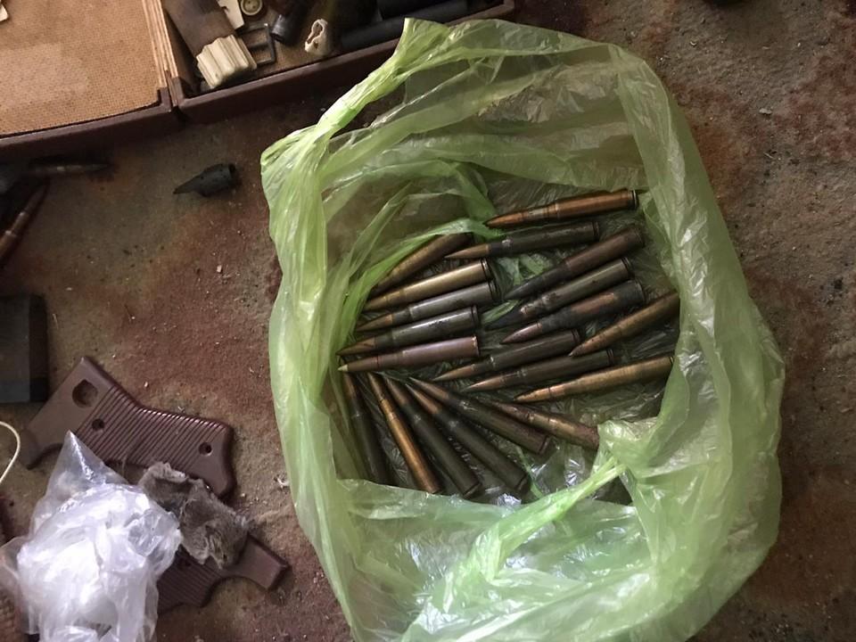 Жителя Армянска могут посадить на 4 года за нелегальную «коллекцию» боеприпасов. Фото: пресс-служба Погрануправления ФСБ по Крыму.