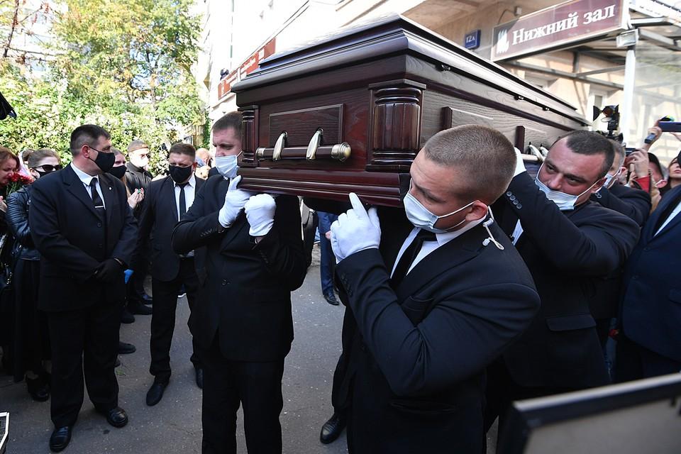 Сегодня Михаила Борисова похоронят на Востряковском кладбище