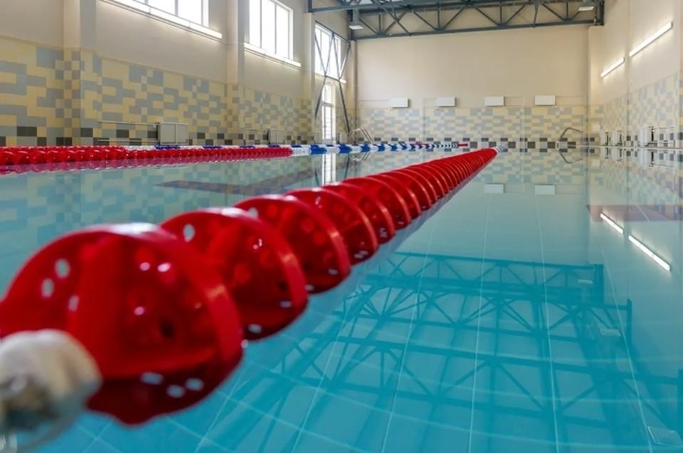 Суд приостановил работу бассейна на Ярослава Гашека, в котором отравились восемь детей.