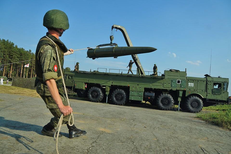 """Сразу после белорусских выборов Россия в рамках учений привела в боевую готовность ракетные комплексы """"Искандер"""""""